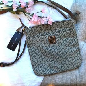 NWT Tommy Hilfiger Tan Crossbody Bag